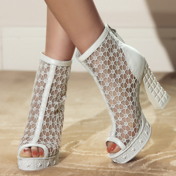 2015 lace embroidered net thick boots with high heels